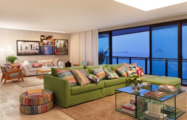 decoracao-com-sofa-colorido-600x388